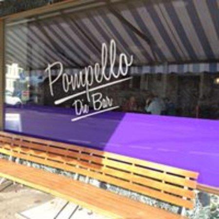 Schwyz, سويسرا: Pompello die Bar