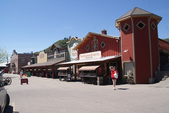 Vernon, Canadá: Orchard Stores