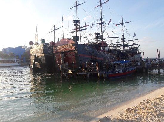 Foto de Captain Hook Barco Pirata Pirate Ship