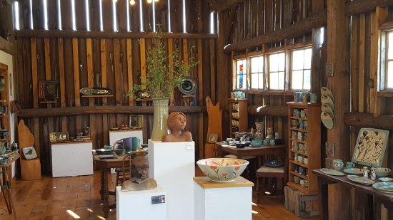 Egg Harbor, วิสคอนซิน: Beautiful pottery shop. What a hidden gem! Great price ranges for all buyers and Renee is awesom