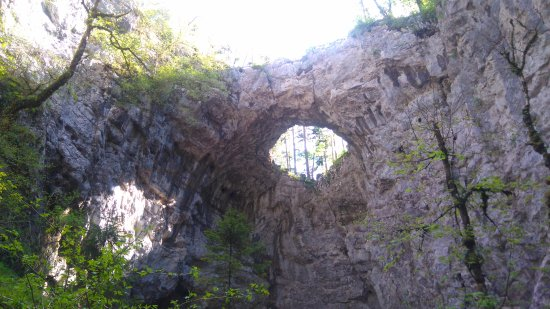 Rakek, Eslovenia: Small natural bridge