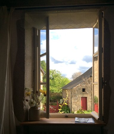 Soubrebost, Francia: Looking out the window from my bedroom, 'Chignat'.