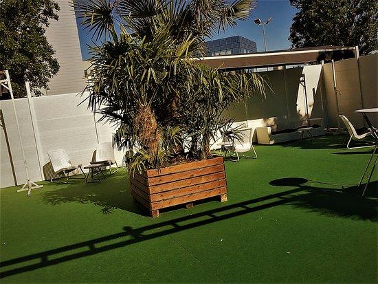 Chassieu, فرنسا: Terrasse de TED 800m2 espace lounge  privatisation