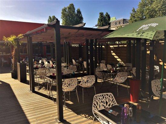 Chassieu, فرنسا: Terrasse Ombragée de TED