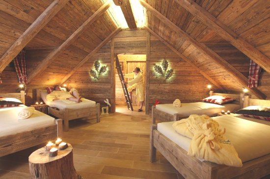 baumhaus sauna innen bild von schwarzwaldhotel tanne baiersbronn tripadvisor. Black Bedroom Furniture Sets. Home Design Ideas