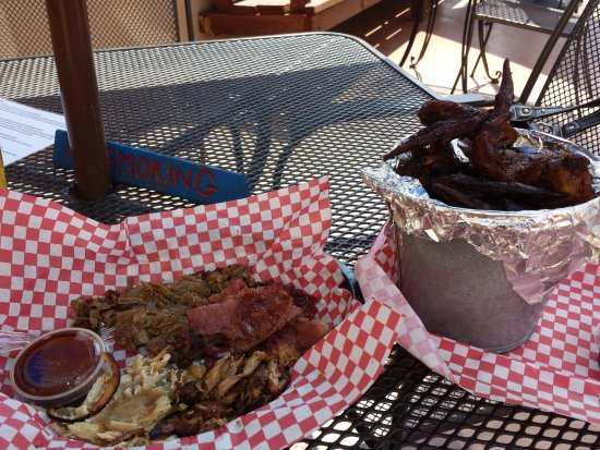 Palisade, CO: Smoked meat sampler and smoked wings