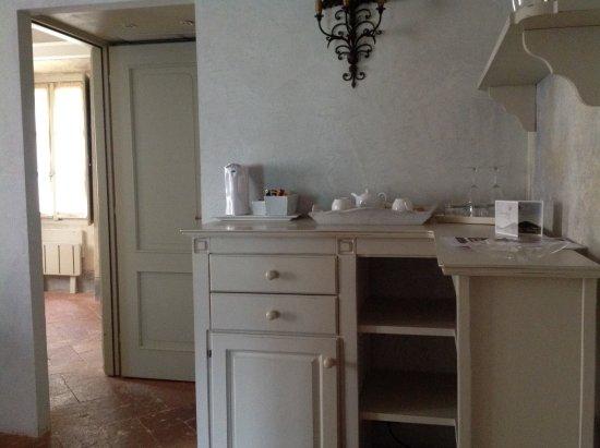 Villa Regina Teodolinda: В номере есть все для чая и кофе