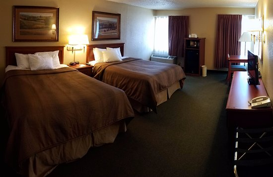 Kearney, NE: Econo Lodge double room