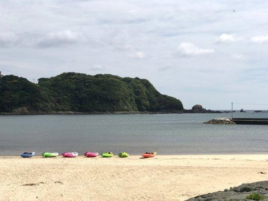 外浦海岸, 朝日も昼間も綺麗です。
