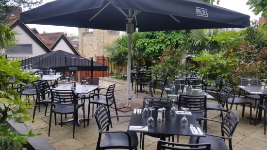 Μπάκινγχαμ, UK: Prezzo Buckingham garden time, beautiful place and excellent food!!!