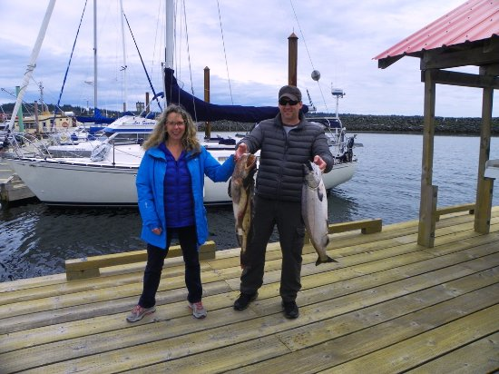 Campbell River, Canadá: Catherine and Rick with their catch of the day.