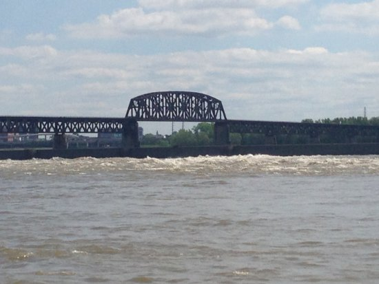 Clarksville, IN: Railroad bridge across the Ohio River