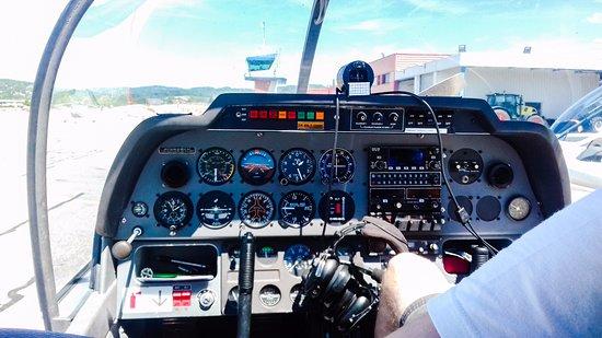 Metz-Tessy, Prancis: cockpit de l'avion