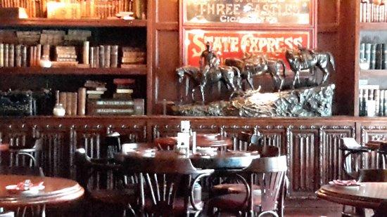 Rosie McGee's Restaurant & Bar : Back of restaurant