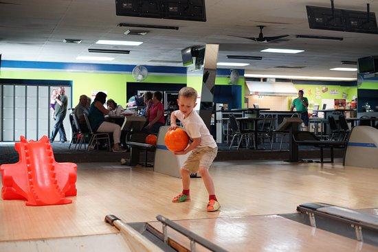 Bethalto, IL: Bowling!