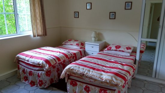 Cootehill, Ireland: Bedroom