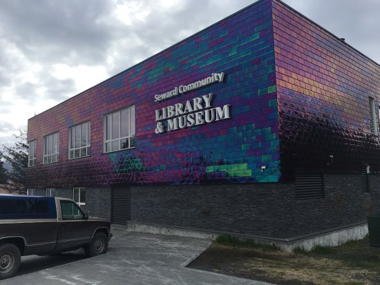 Seward Museum: Building exterior