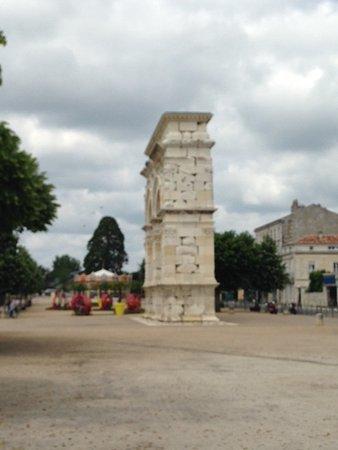 Saintes, France: Side view