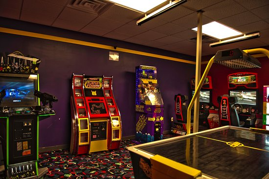 Mount Vernon, IL: Game Room