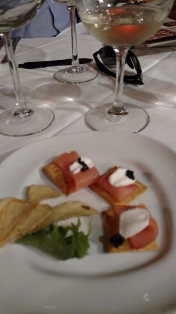 Cafe Amici: caviar,wine