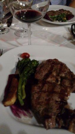 Cafe Amici: ribeye and wine