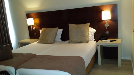 Torres Novas Hotel: Quarto económico