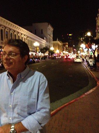 Coronado, CA: Pose feliz
