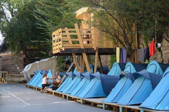Le Camping des Grands Voisins