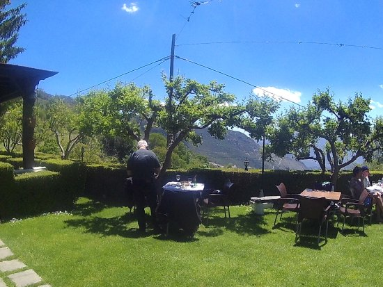 Velez de Benaudalla, Espanha: Wonderful backdrop, lunch in Capileira