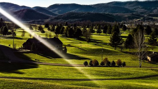 Mountain City, TN: golf club al tramonto. Stupefacente