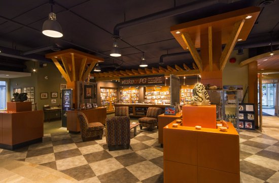 Prince George, Canada: Visitor Centre interior with art and lounge area.