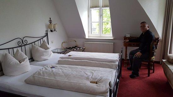 Hotel Laimer Hof: Corner room 3rd floor
