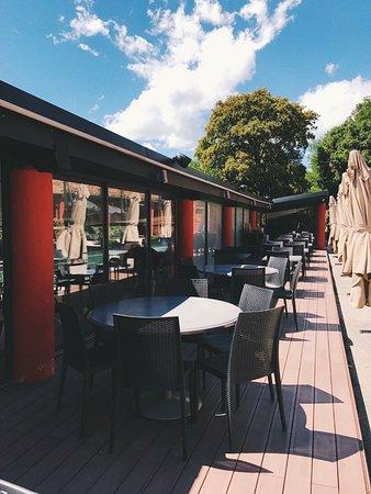 Pegomas, France: Terrasse extérieur