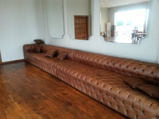 Superb Bosphorus Accra: Is This The Worldu0027s Longest Sofa?