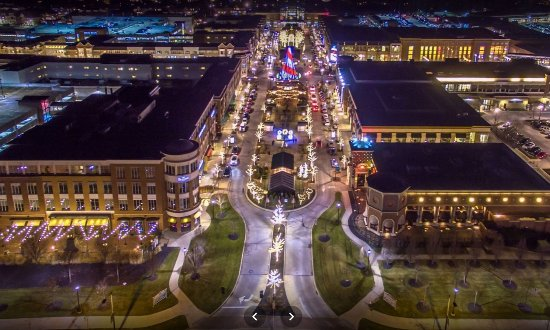 Westlake, OH: night view - bird eyes view