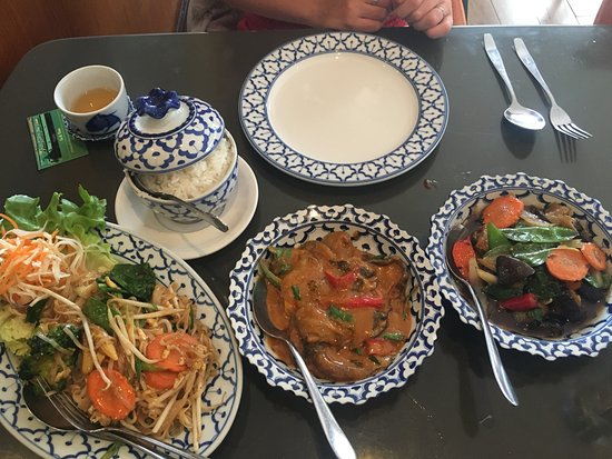 Walton-On-Thames, UK: Our main courses (all vegetarian)