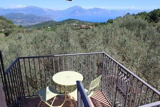 Bosco, İtalya: Vista dal terrazzino di Casa San Leonardo
