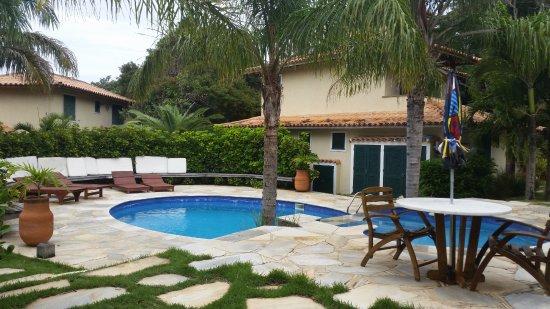 Pousada dos Buzios : Área em comum da área dos chalés - com piscina e sauna