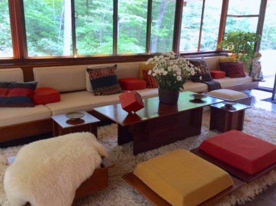 Mill Run, PA: Living room
