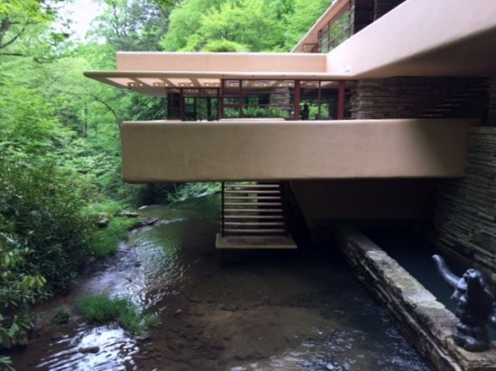 Fallingwater: Cantilevered living room over stairway to waters