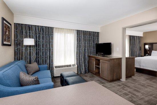 Chapel Hill, Kuzey Carolina: Newly Renovated King Suite
