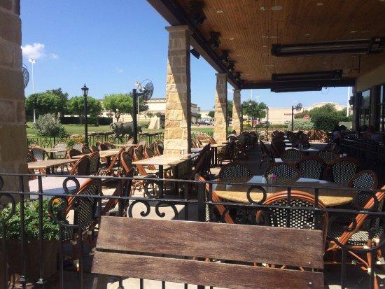 Frisco, TX: Gloria's Patio