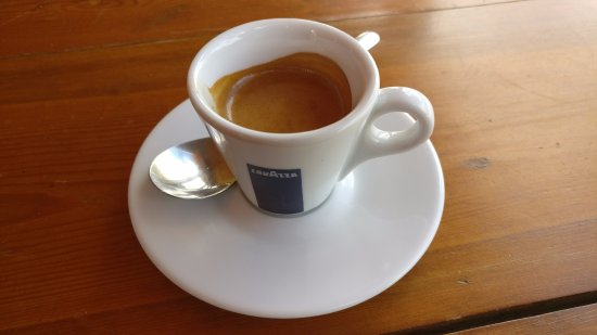 Chelsea, แคนาดา: Espresso at Tonique. Good, but not great.