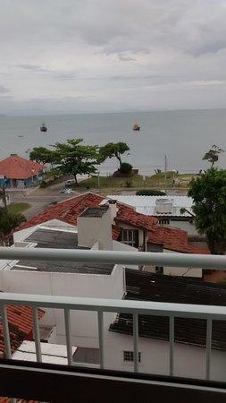 Varadero Palace Hotel I: Con el cielo despejado el mar es de un turquesa increible.