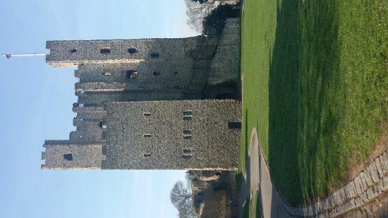 Rochester Castle: 20170403_095431_large.jpg