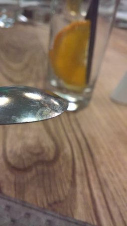Meudon-la-Foret, Frankrike: dirty spoon (no apologies for that from the staff)