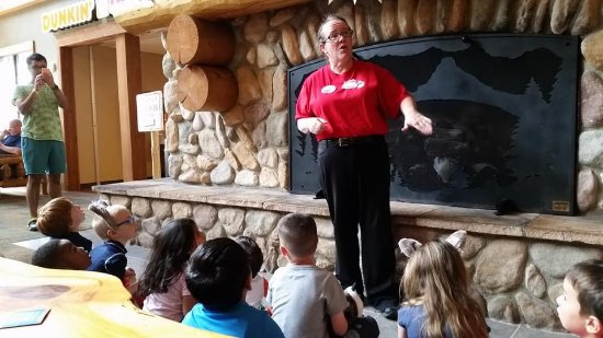 Great Wolf Lodge: Wolf Walk presentation