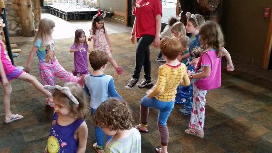 Great Wolf Lodge: Jammie Dance party