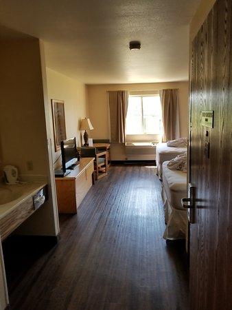 Eagle Peak Lodge & RV Park : Spacious!!  Clean!!  Quiet!!