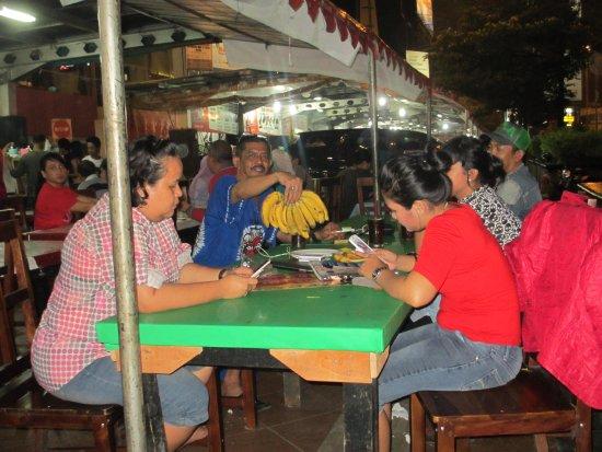 Suasana Kuliner Di Simpang Lima Kota Semarang Jawa Tengah